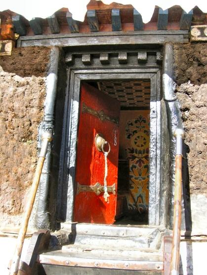 Shigatse doorway - Tibet