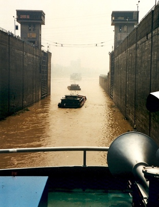 On the Yangtzee-Sept 2000