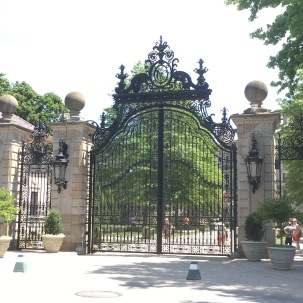 Breakers front gate